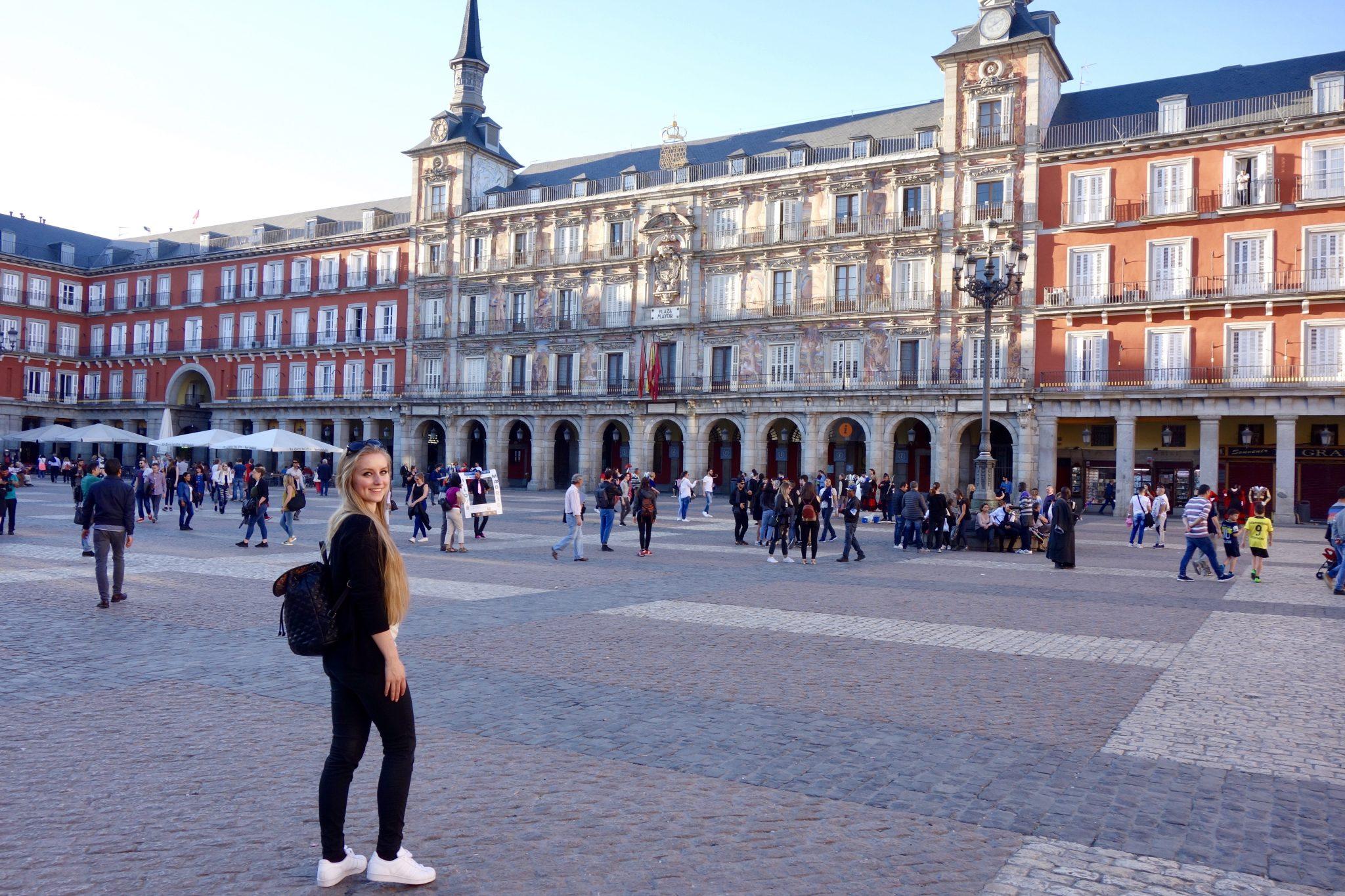 Besonders viele Touristen bestaunen den Plaza Major täglich.