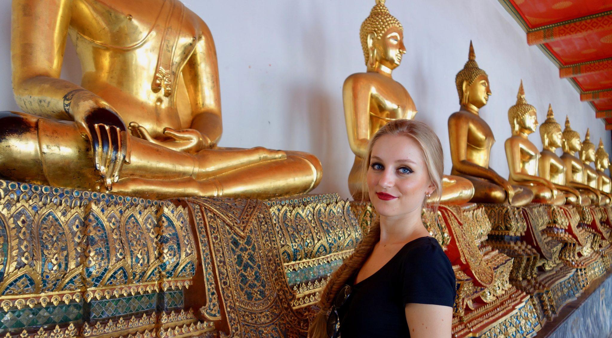 Thailand, Bangkok: Wat Pho, unzählig viele Buddhas; unzählig viele Fotomöglichkeiten