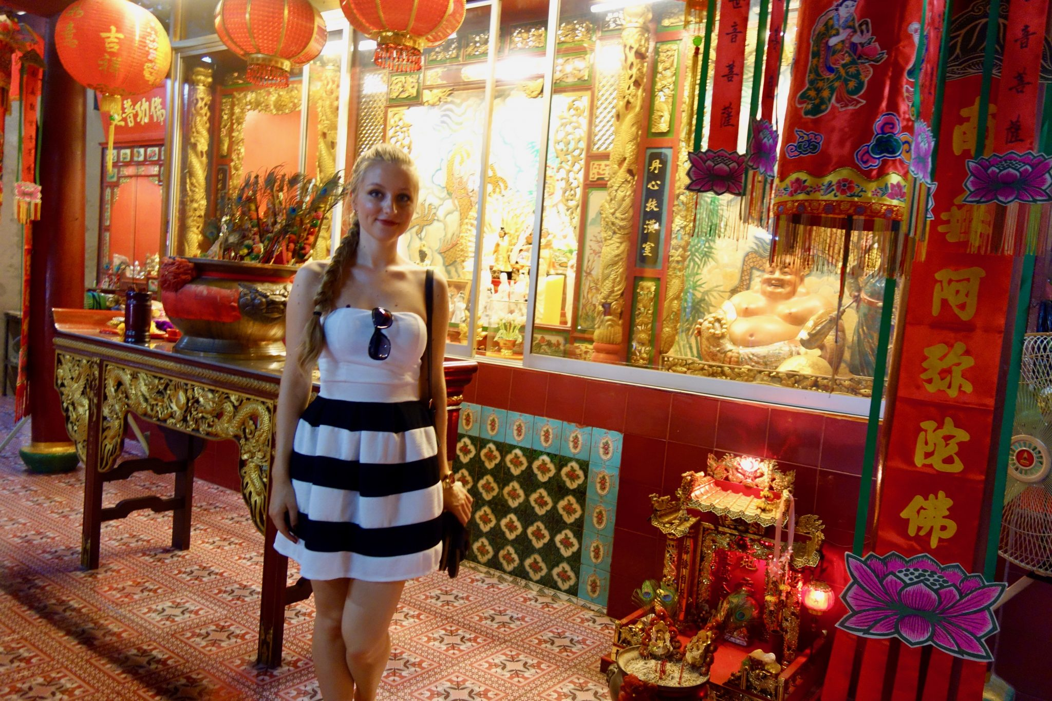 Thailand, Bangkok, Chinatown: ... im Inneren des Tempels sieht es so aus.