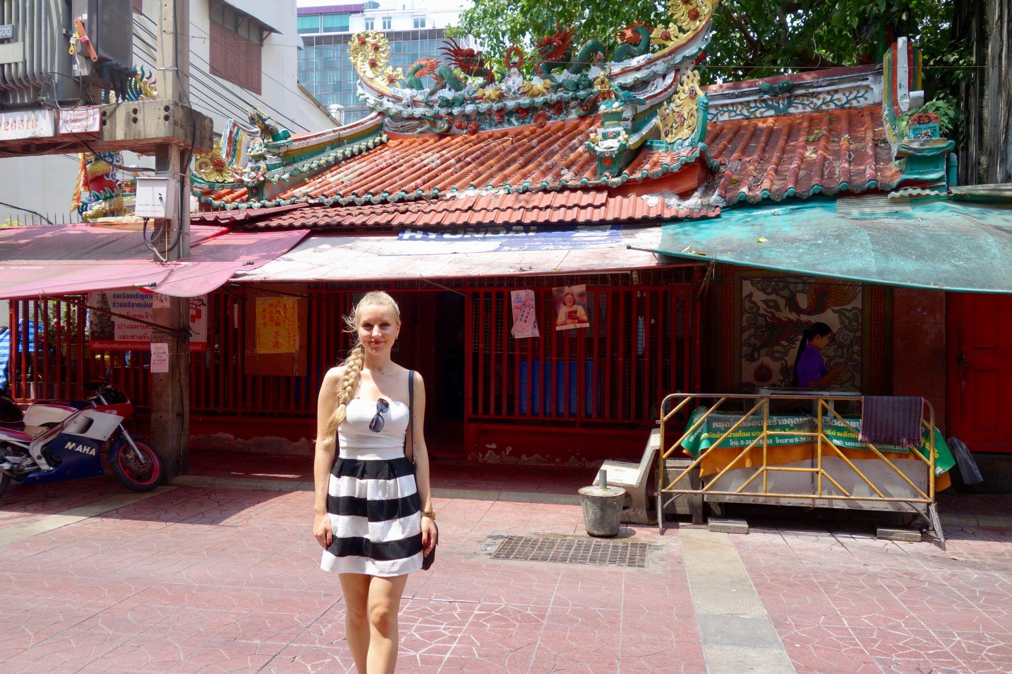 Thailand, Bangkok, Chinatown: Einen kleinen Tempel haben sie auch ...