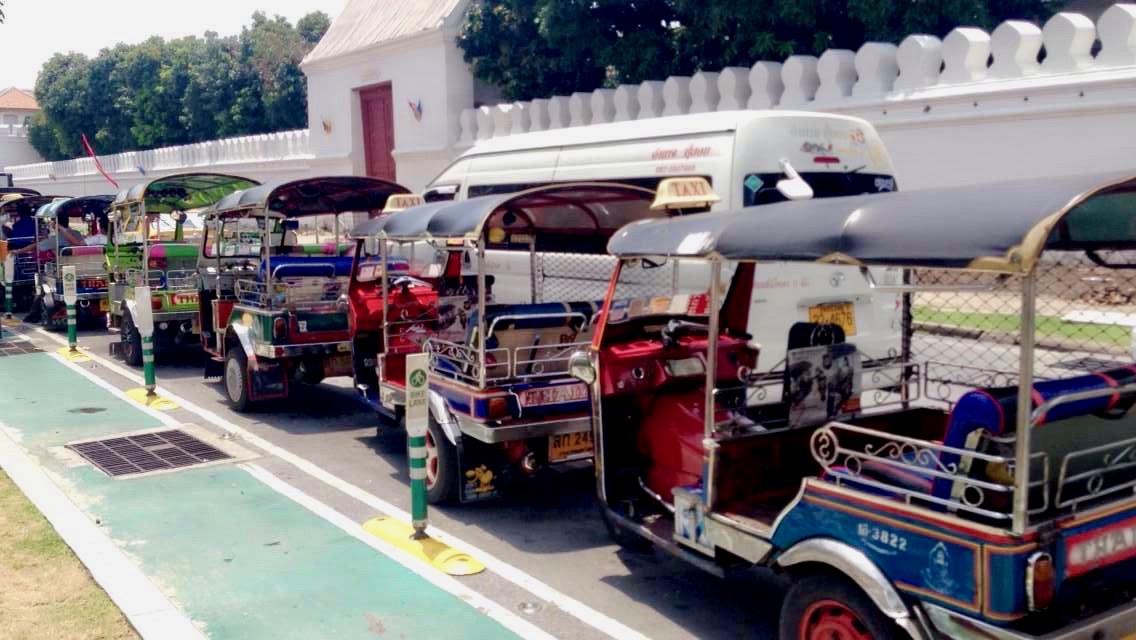 Thailand, Bangkok: wartende Tuk Tuk's solltest du lieber meiden