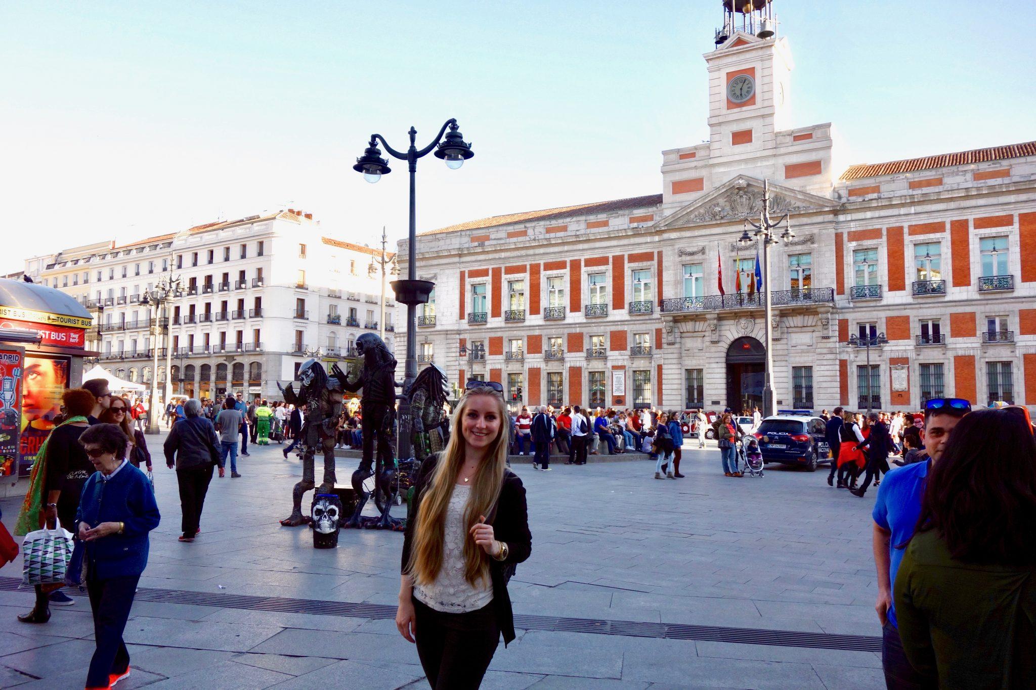 Madrid: Puerta del Sol (immer ein sehr überfüllter Platz)