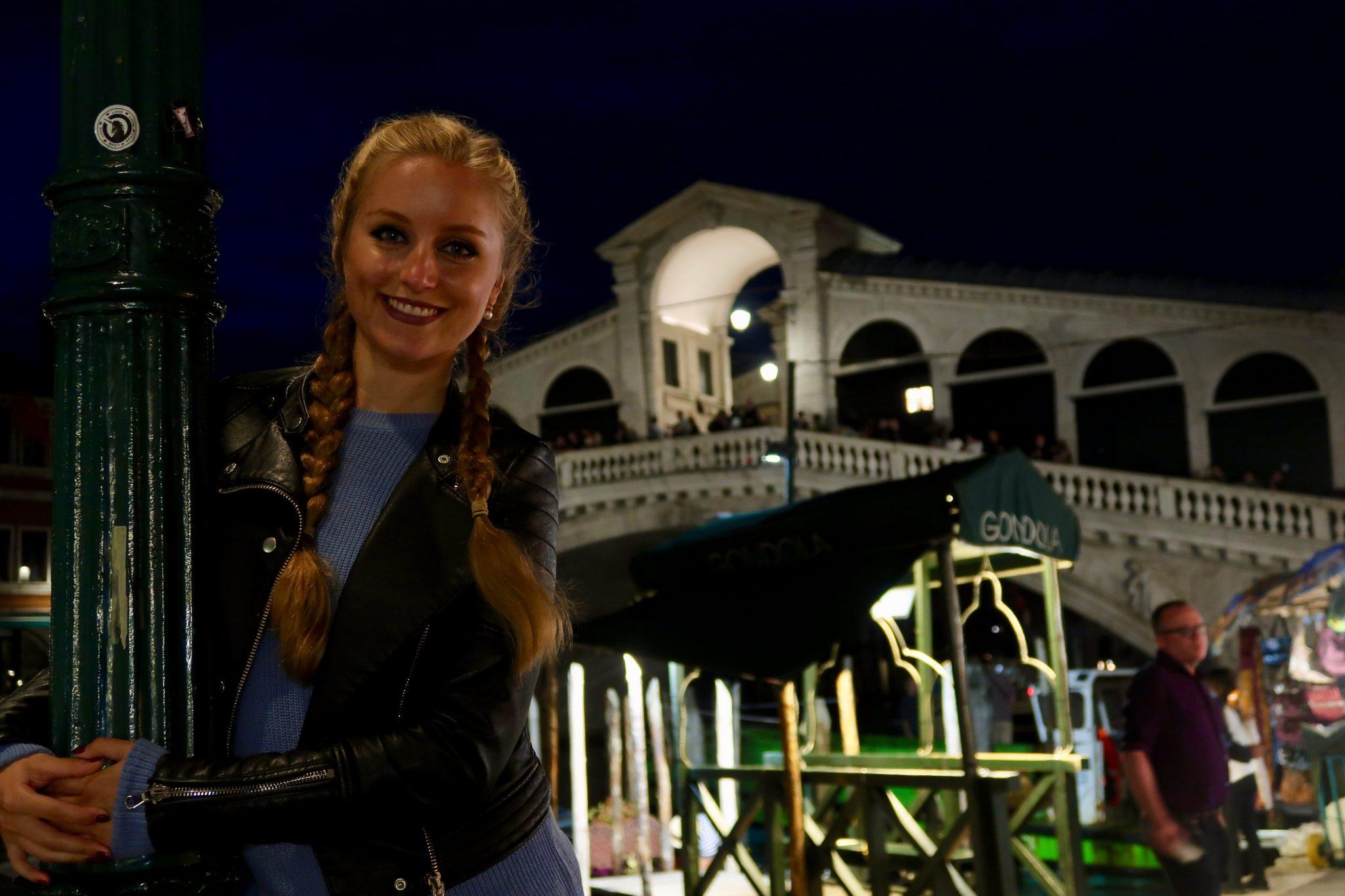 Venedig: die Rialtobrücke bei Nacht