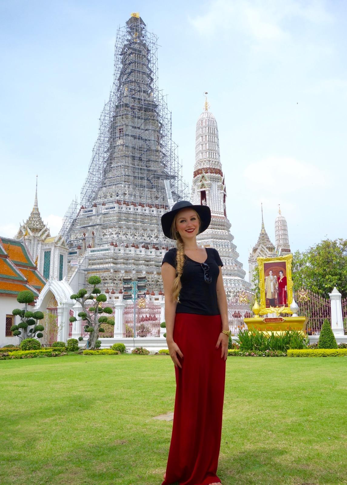 Thailand, Bangkok: Wat Arun (Turm Phra Prang mitten im Tempelgelände)
