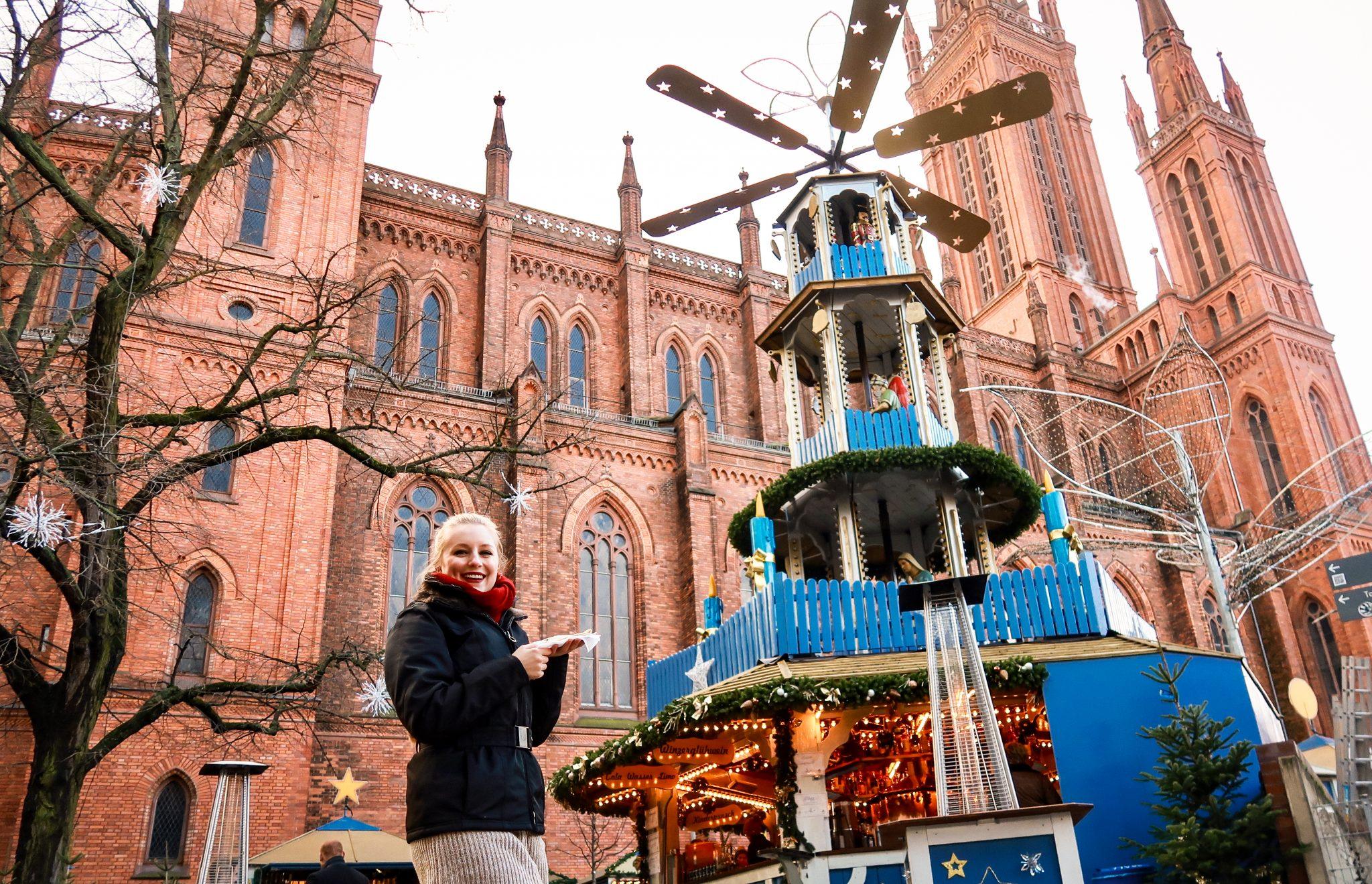 Den Sternschnuppenmarkt kannst du rund um die Marktkirche in Wiesbaden finden.