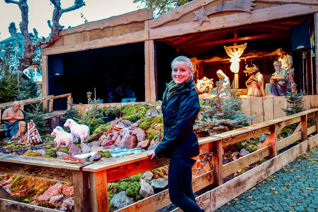 Rüdesheim, Weihnachtsmarkt: Die Krippe ist der Wahnsinn!