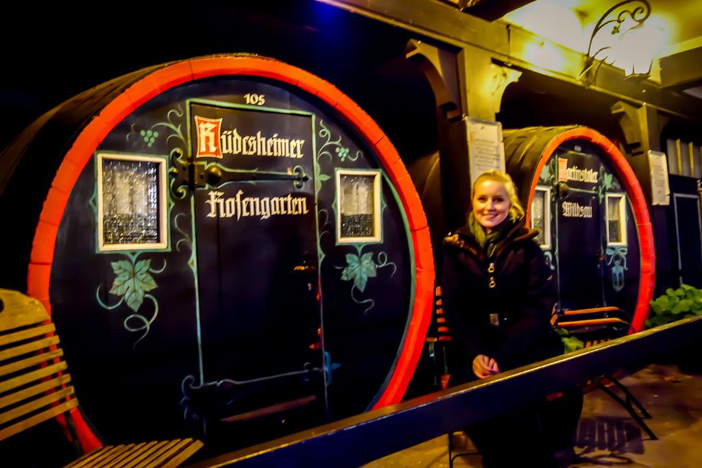 In Rüdesheim kann man in Weinfässern übernachten. Willst du auch einmal in einem Fass übernachtet?