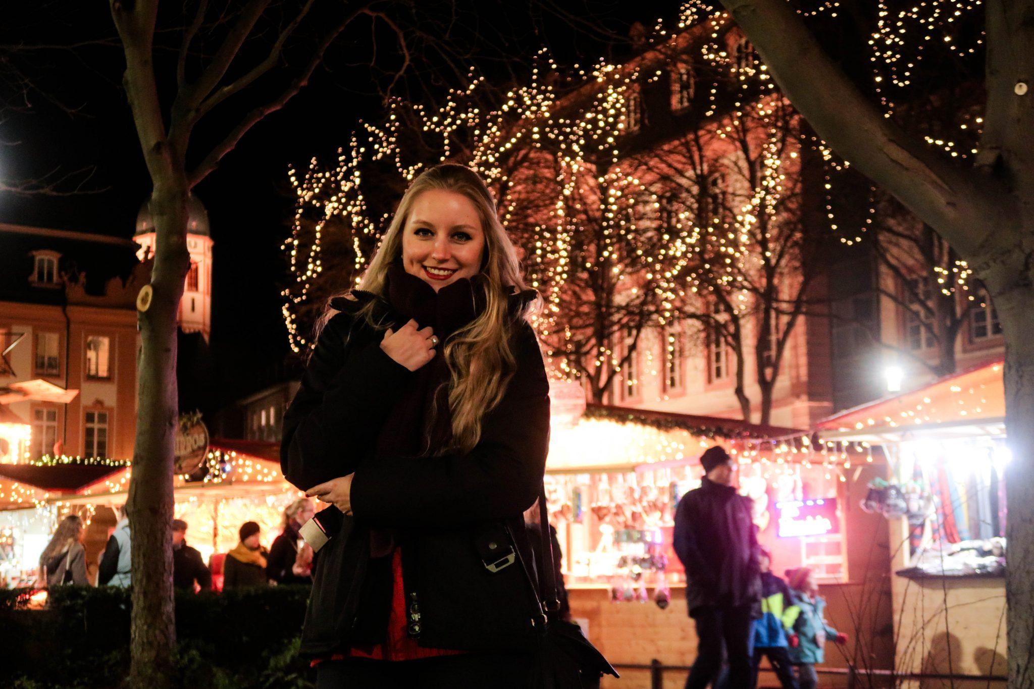 Besucht auch unbedingt die anderen Weihnachtsmärkte. Dieser ist am Schillerplatz.