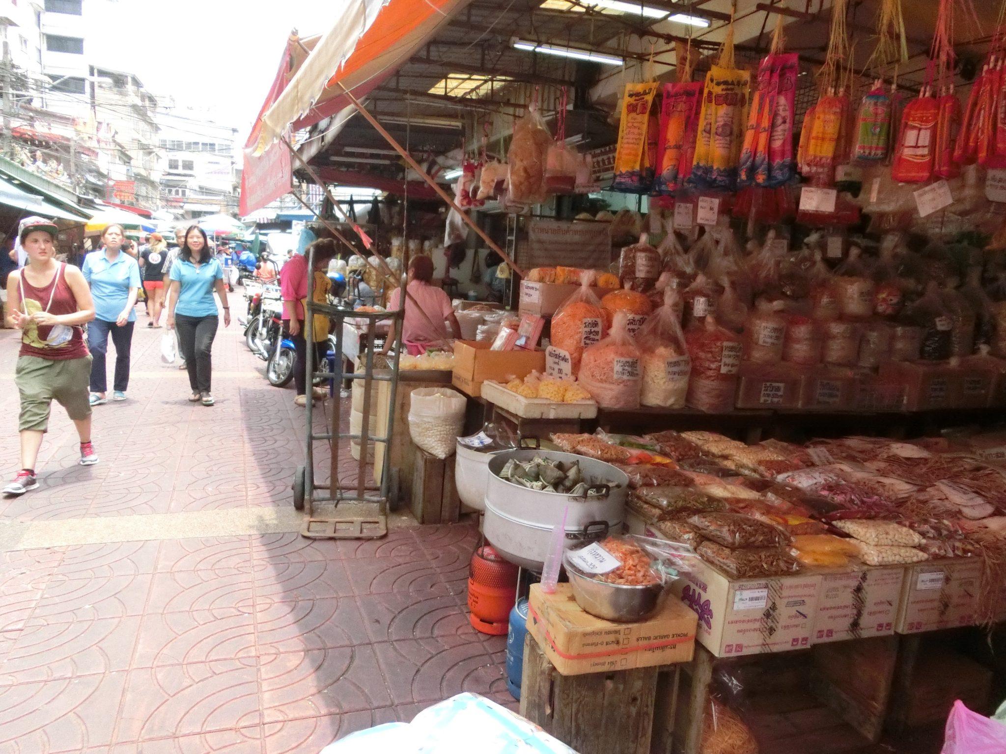 Thailand, Bangkok, Chinatown: Alle möglichen Produkte kannst du dort kaufen