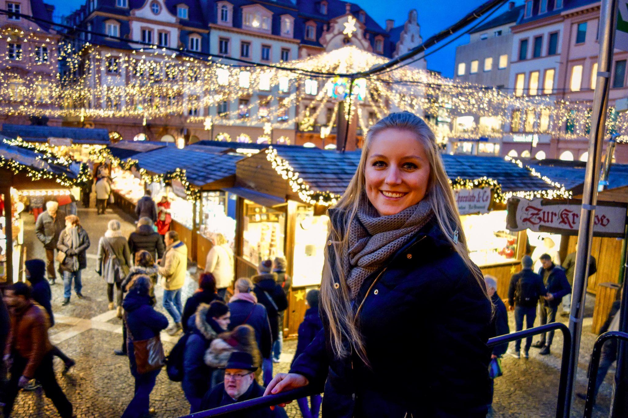Das Lichtermeer auf dem Mainzer Weihnachtsmarkt fasziniert mich jedes Mal wieder.