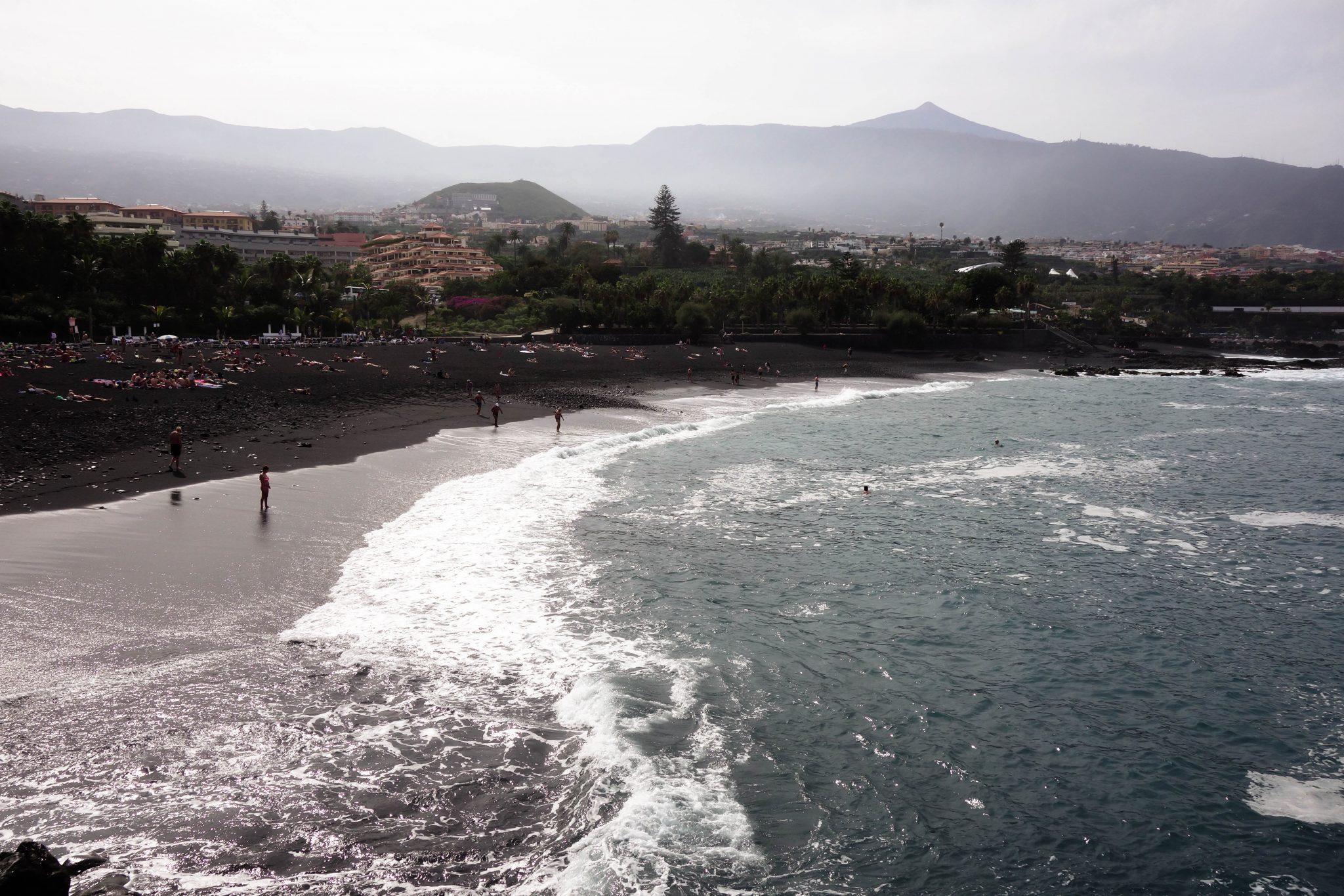 Teneriffa, Puerto de la Cruz: Durch die starke Strömung gibt es dort kaum einen Strand.
