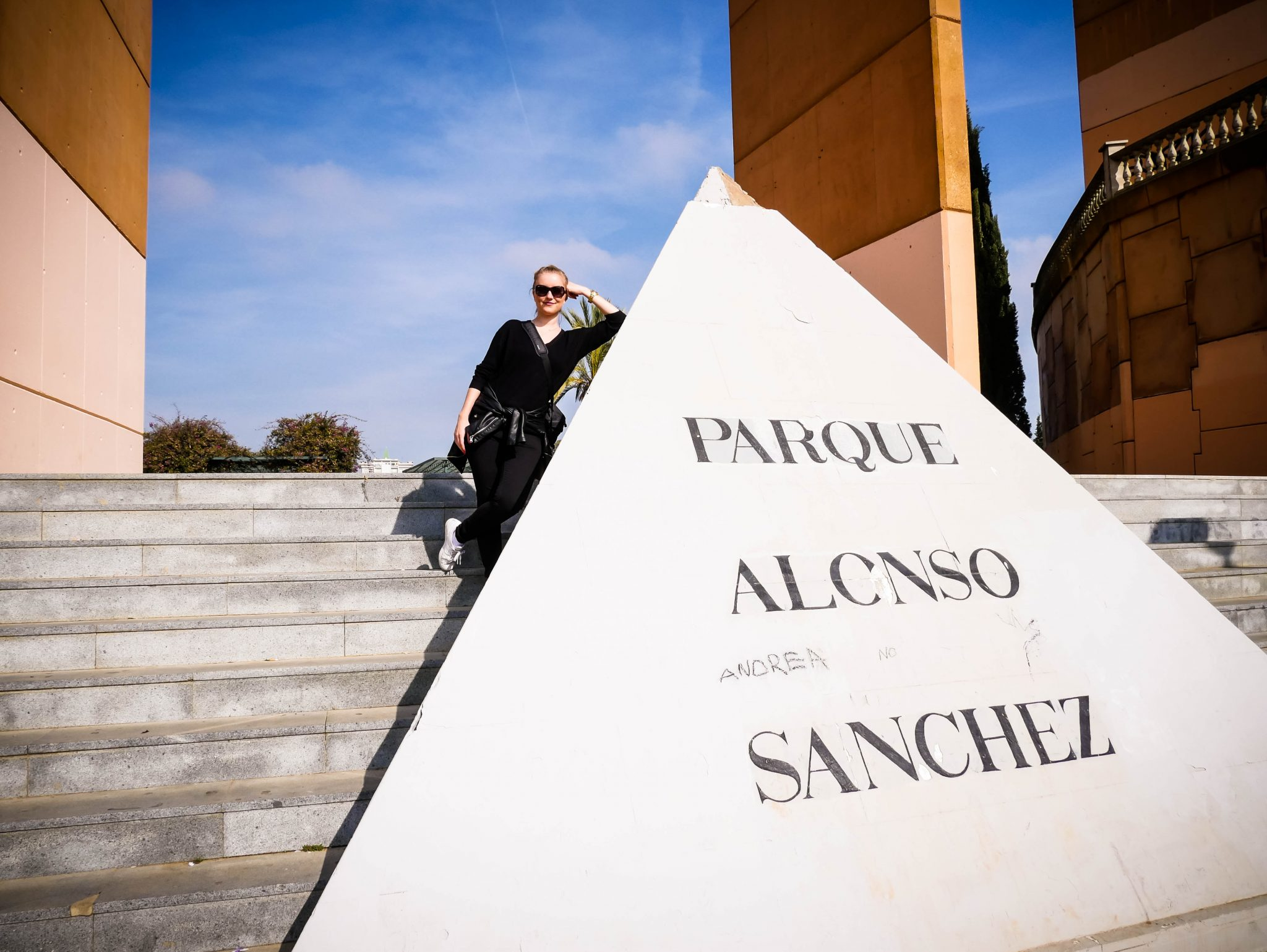 Huelva: Der Haupteingang ist da dann doch ein wenig entspannter...