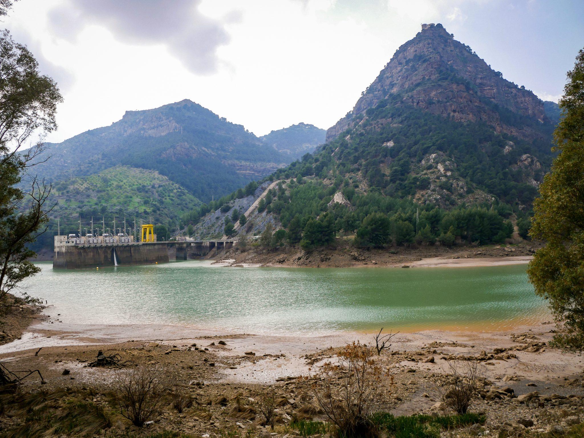 Caminito del Rey: Am Ende des Caminitos kannst du noch einmal einen der Entstehungsgründe vorfinden.