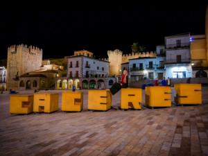 Dieses Highlight darfst du nicht verpassen: Cáceres bei Nacht!