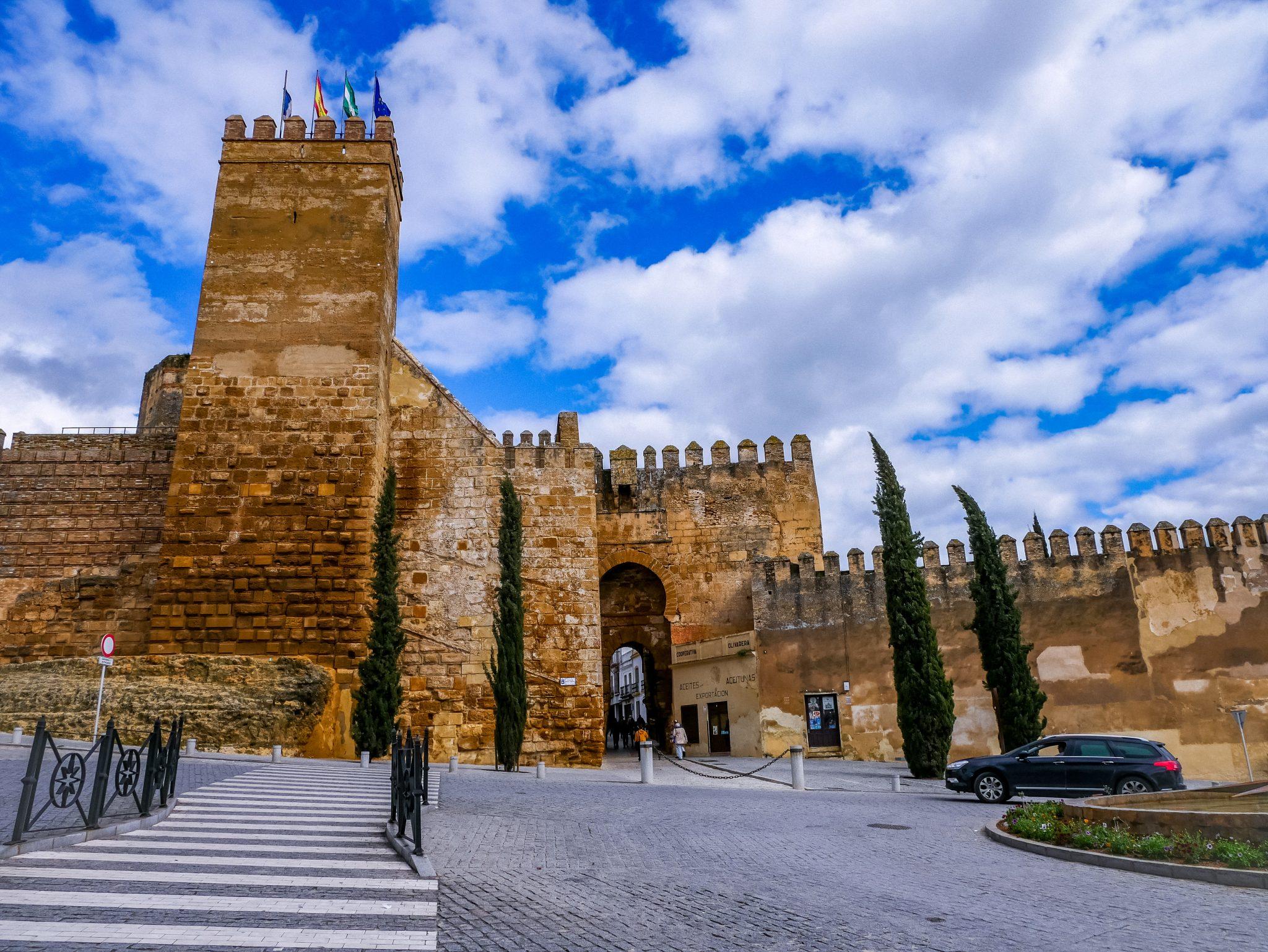 Die Altstadt liegt zwischen den beiden früheren Stadttoren: Puerto de Sevilla und Puerta de Córdoba