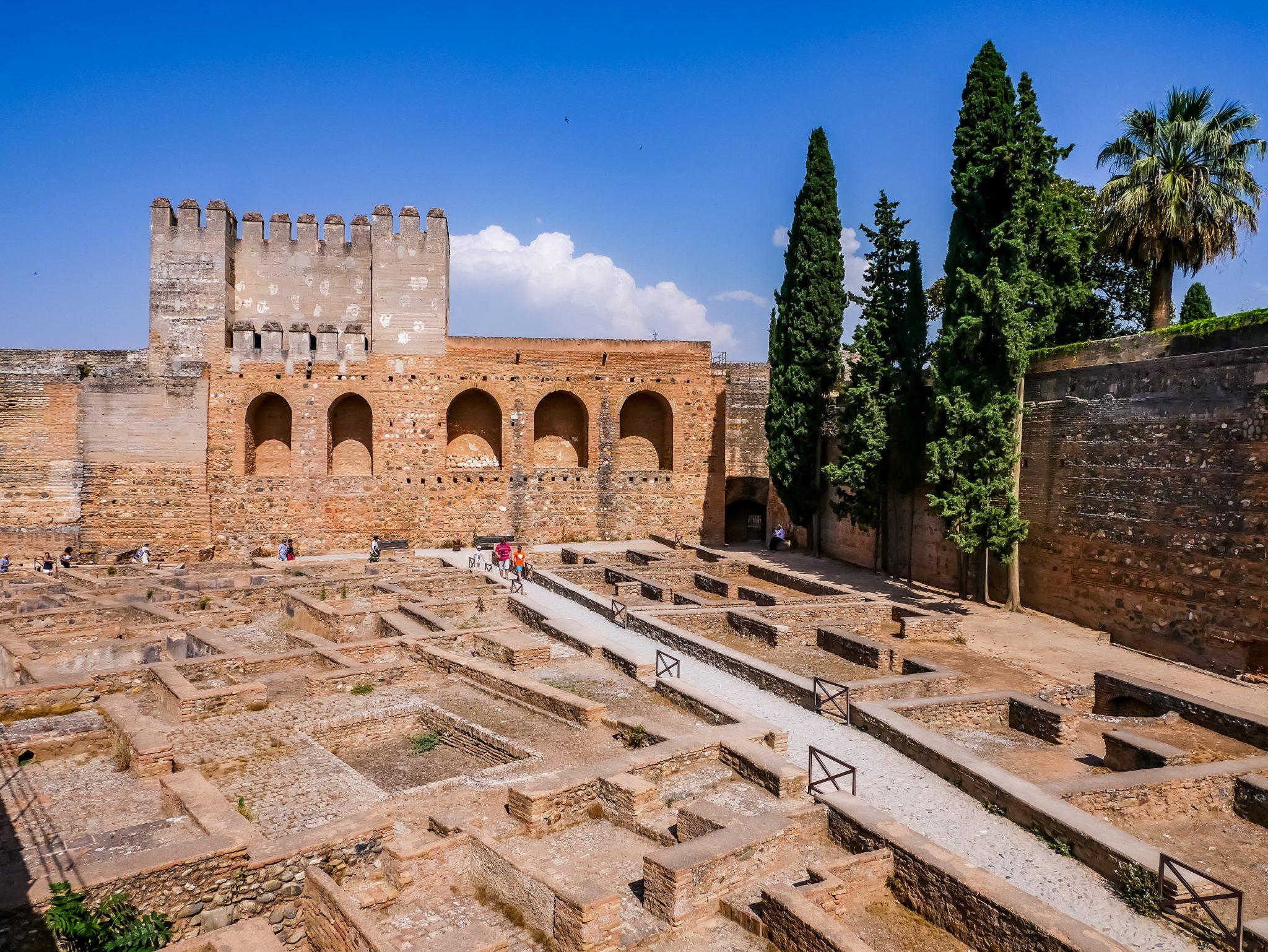 Vom Alcazaba hast du einen der besten Aussichten auf Granada.