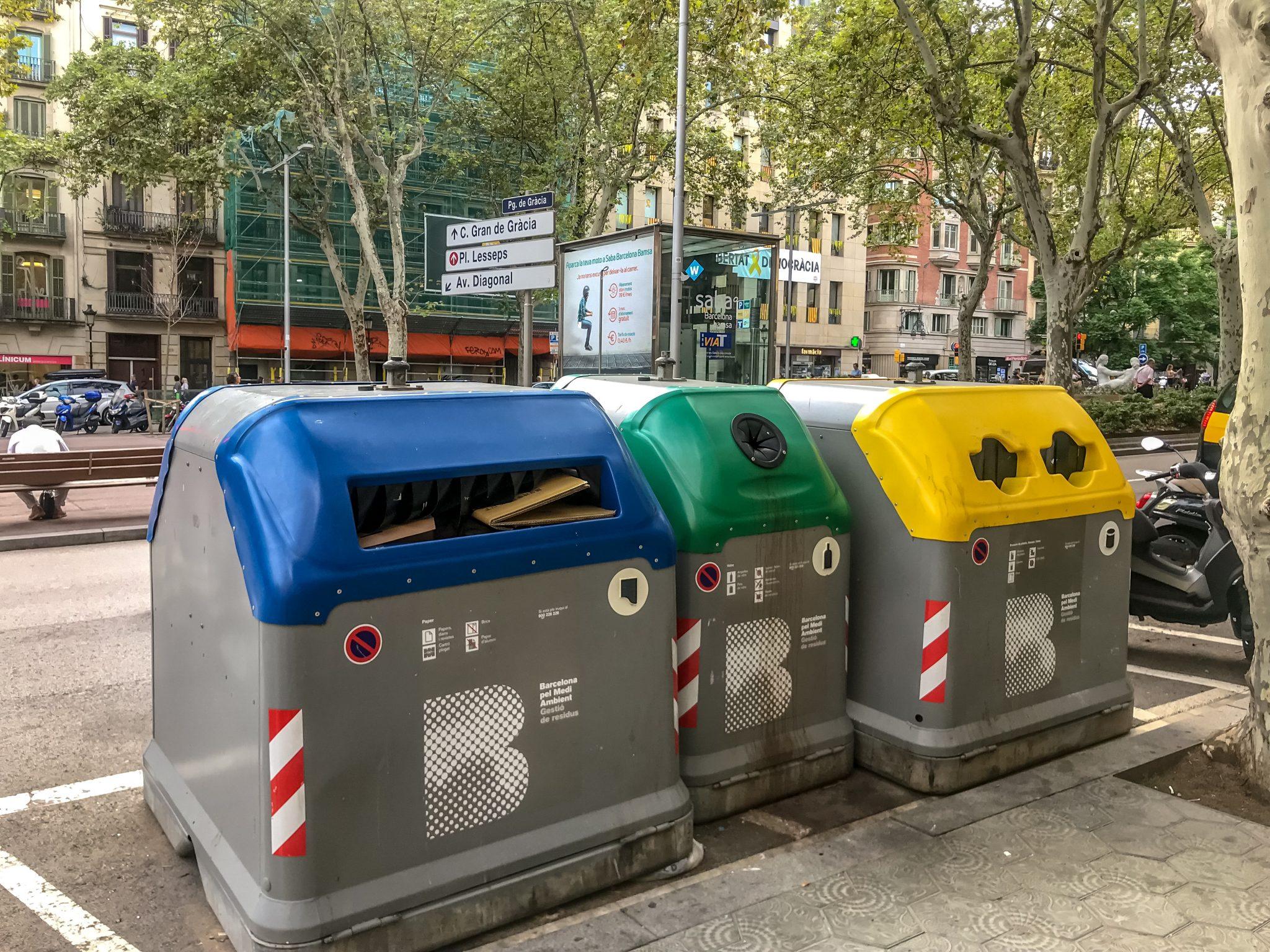 So sehen die Müllcontainer in Barcelona aus...