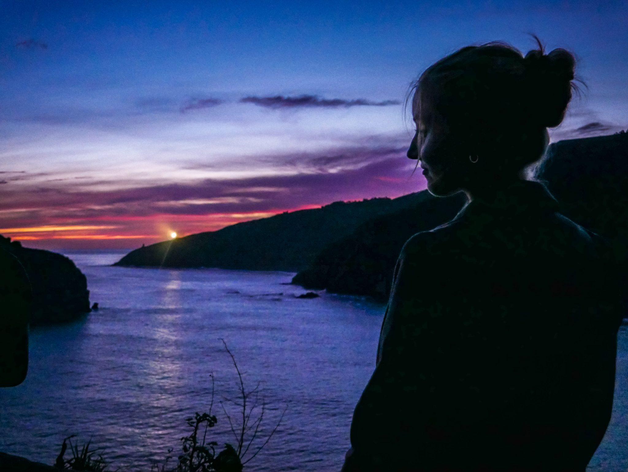 Der Sternenhimmel und der Sonnenaufgang sind von der Felsinsel San Juan de Gaztelugatxe atemberaubend schön!
