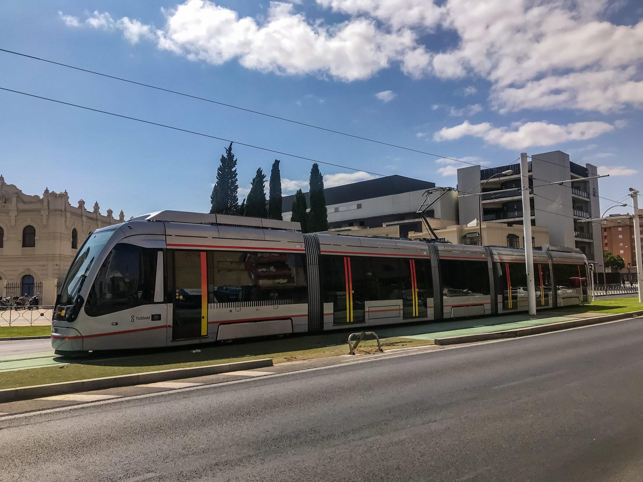 Die Tram in Sevilla fährt insgesamt eine Strecke von 1,4 km.