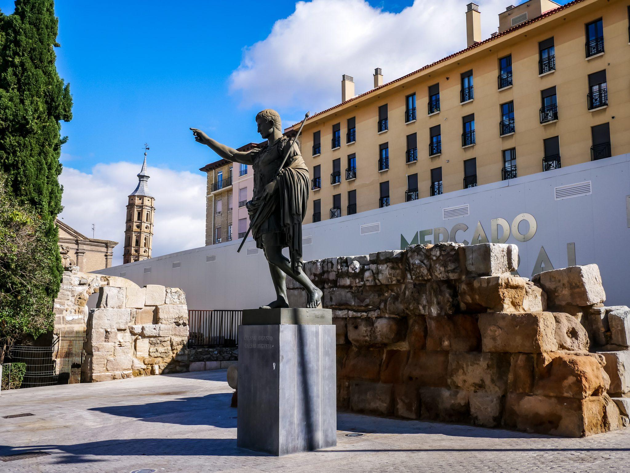 Die Römer haben ihre Spuren in Saragossa hinterlassen, welche früher Caesaraugusta hieß.