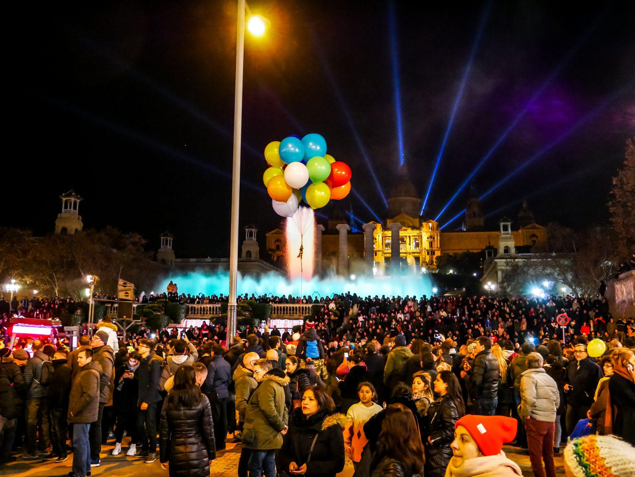 Vor dem Montjüïc in Barcelona endet dieser Umzug der Reyes Magos.