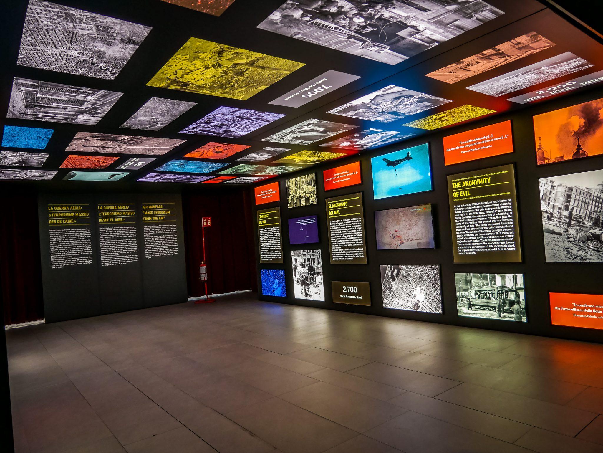 """Dies ist eine temporäre Ausstellung in Born Centre de cultura / Memoria, zur Zeit """"Una Infancia bajo las bombas"""" (Eine Kindheit unter den Bomben) 26.09.2018 - 31.03.2019"""