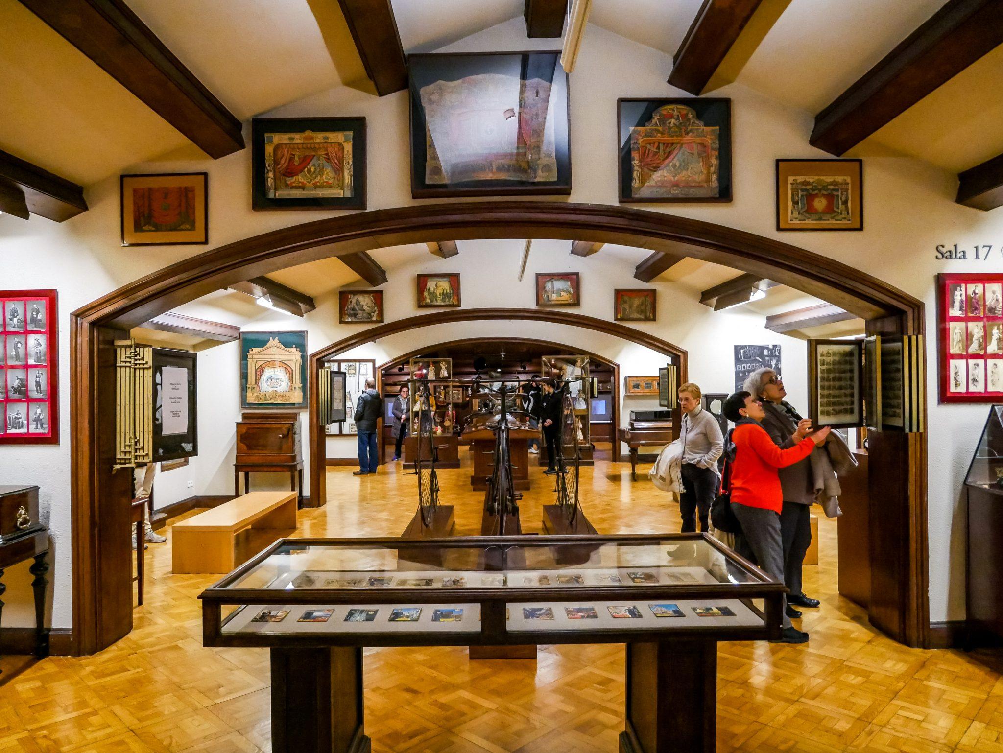 In dem Museu Frederic Marès (MFM)habe ich im obersten Stockwerk angefangen und mich dann herunter gearbeitet.