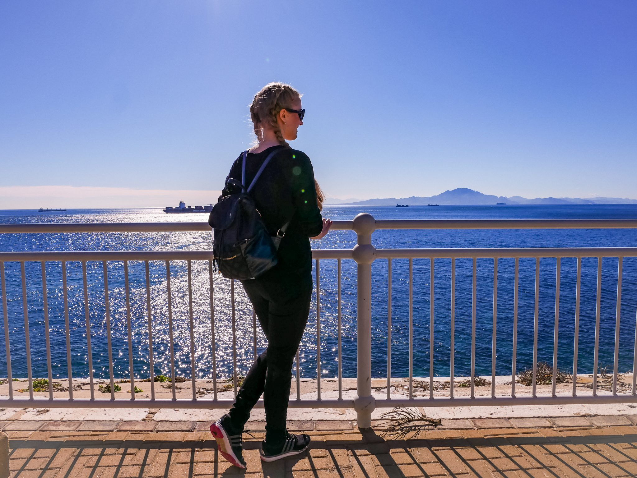 An manchen Tagen hast du einen sehr beeindruckenden Blick auf Afrika vom Europa Point in Gibraltar aus.