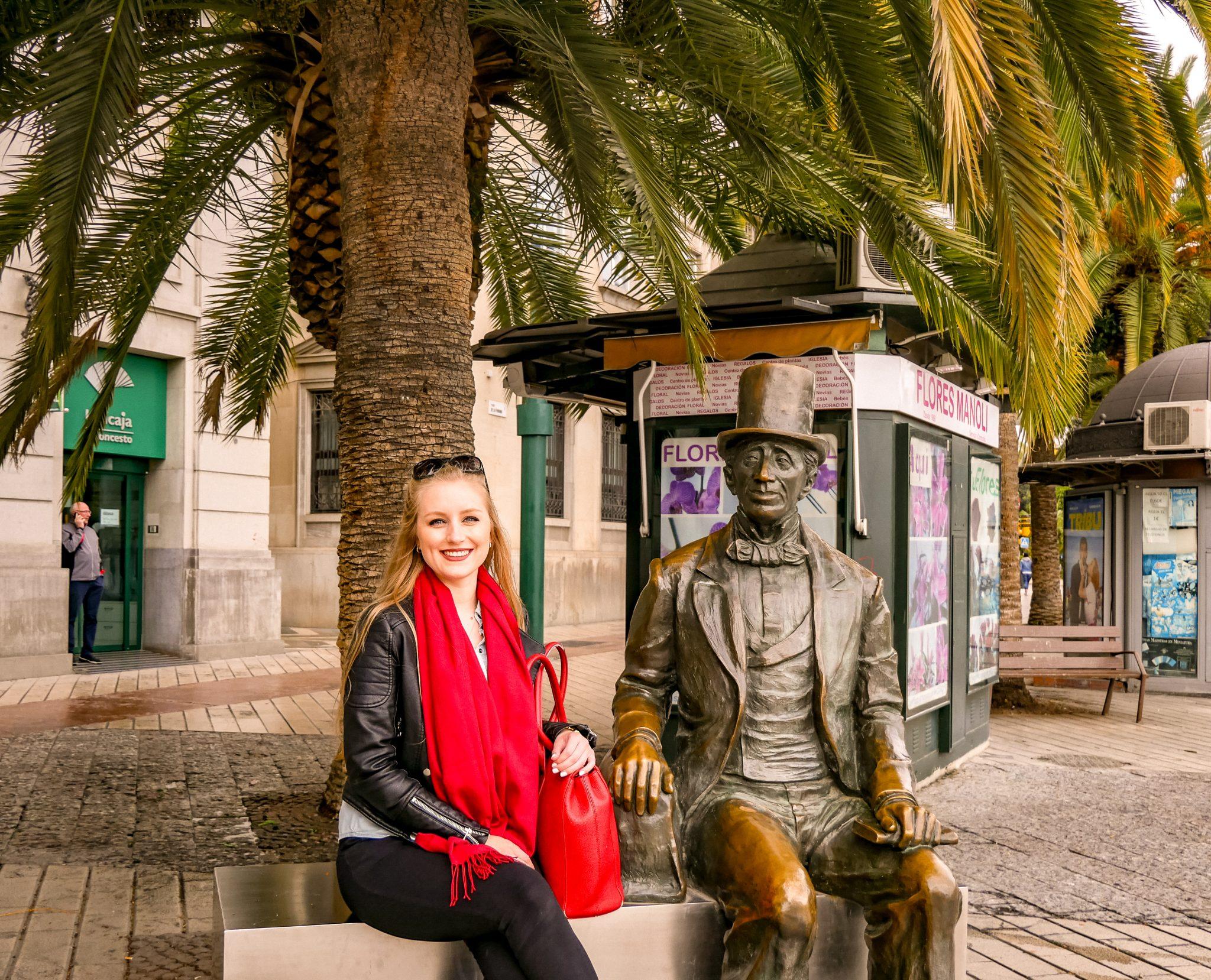 """Eine Statue von Hans Christian Andersen kannst du finden: """"In keiner anderen spanischen Stadt habe ich mich so glücklich und so wohl gefühlt wie in Malaga"""" - Hans Christian Andersen"""