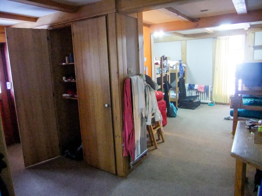 Das ist ein kleiner Teil des Mädchenraums.