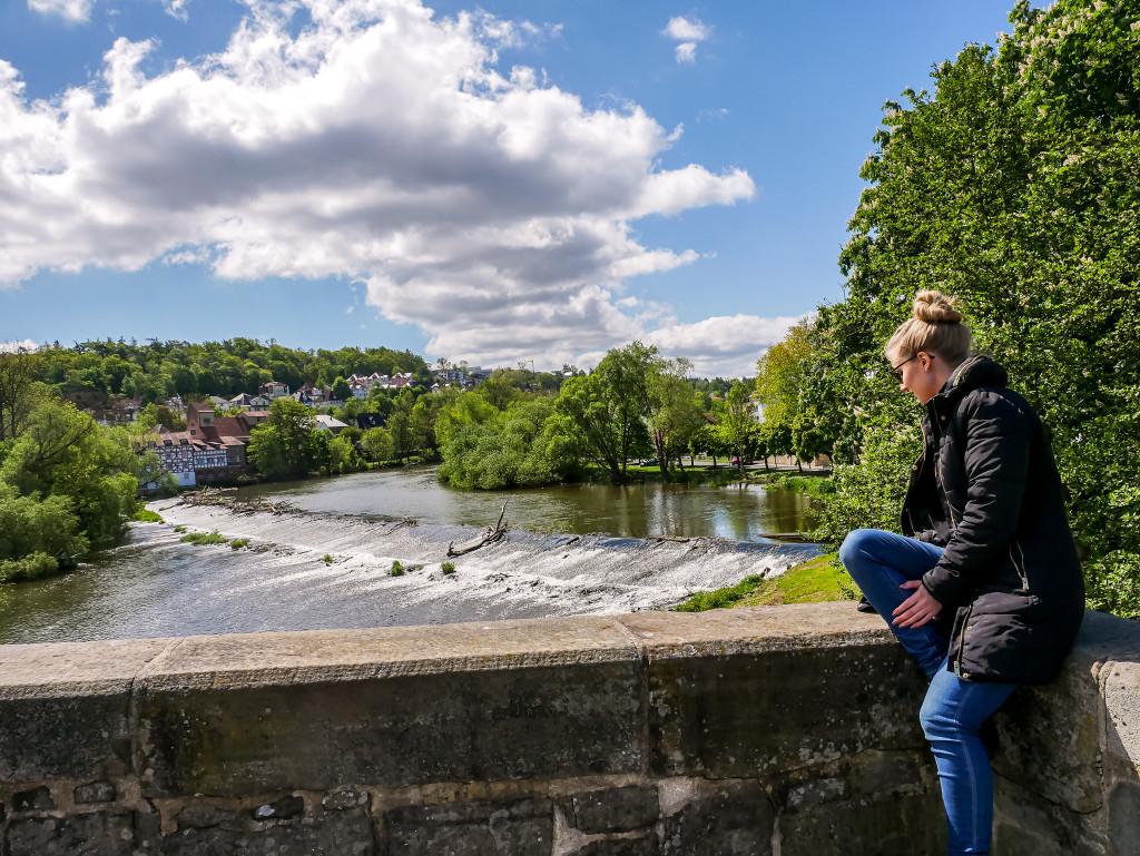 Von der Bartenwetzerbrücke in Melsungen könnt ihr dieses wunderschöne Naturspektakel der Fulda bewundern.