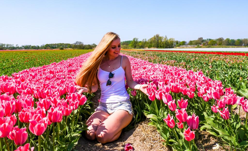 Ich habe nie zuvor so viele Tulpen auf einmal gesehen. Auch Omi war von den vielen Tulpenfeldern in den Niederlanden komplett überwältigt.