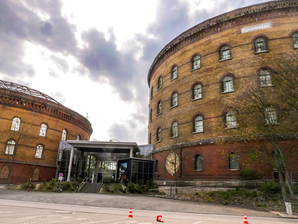 Das Panometer in Leipzig ist ein 360-Grad-Museum, weltweit einzigartig und teilweise kann es kostenlos besichtigt werden.