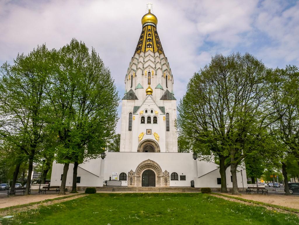 Die russische Gedächtniskirche hat eine wunderschöne goldene Turmspitze, welche ich vom Völkerschlachtdenkmal aus erkennen konnte.
