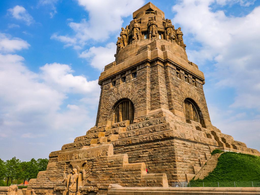 Das Völkerschlachtdenkmal scheint wie von einer anderen Welt zu sein! Es hat mir sehr gut gefallen.
