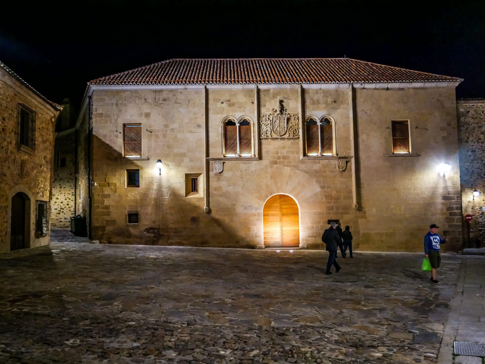 Dieser Platz in Cáceres wurde in Staffel 7 Folge 3 der Serie Game of Thrones genutzt
