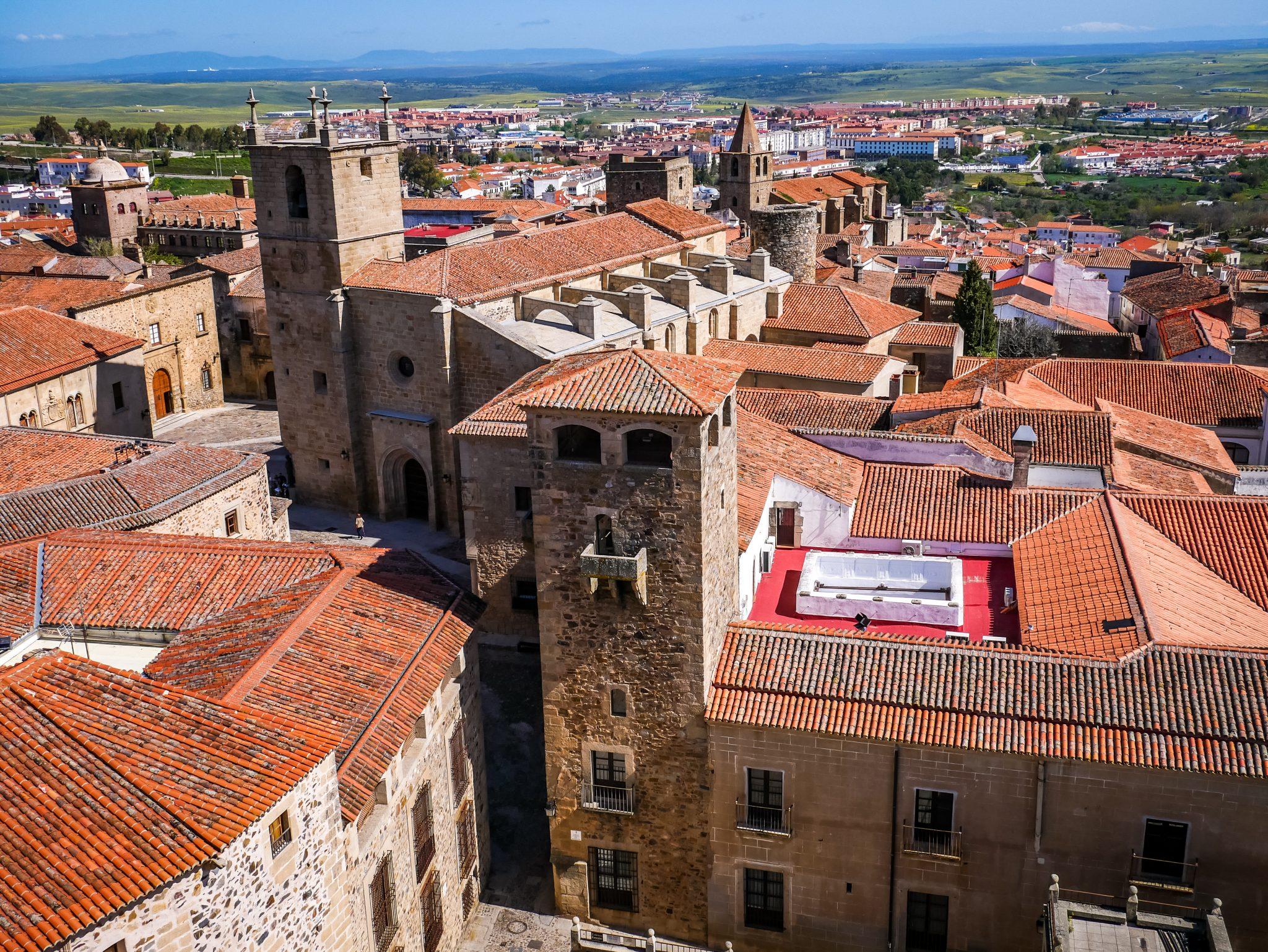 So sieht Cáceres historische Altstadt von oben aus.