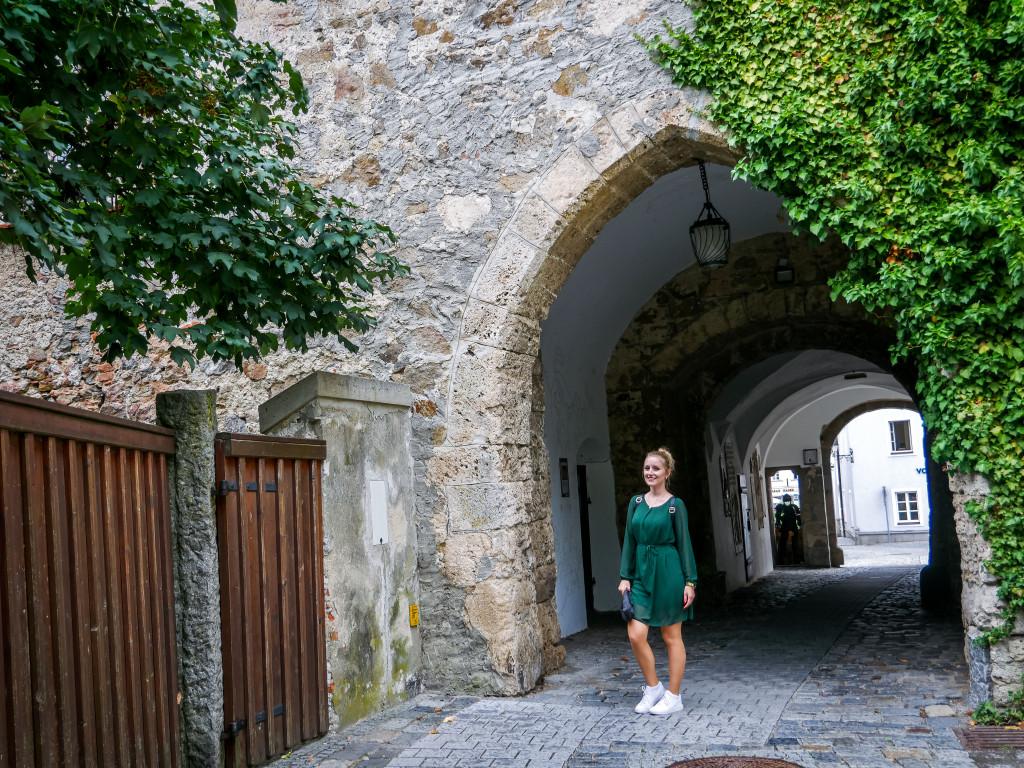 Früher war das Schlosstor von Schärding nur über eine Brücke erreichbar.