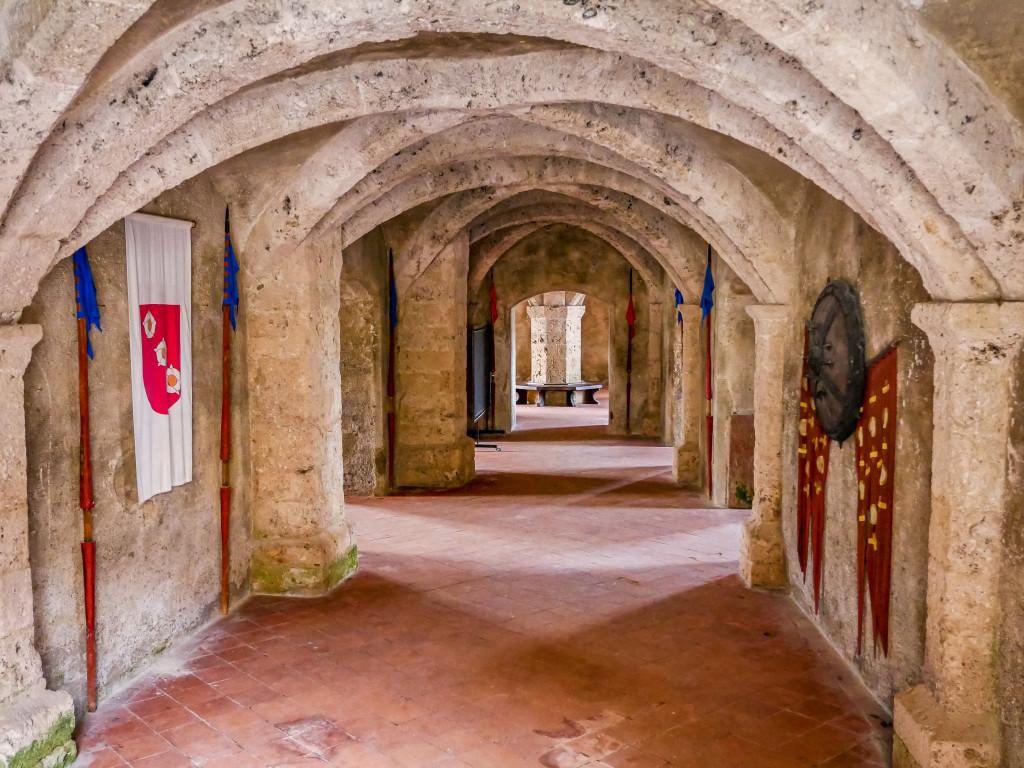 Dies ist der Kerker der Burg von Burghausen, welcher sich in der Hauptburg befindet. Er wurde für hochgestellte Häftlinge genutzt, wie beispielsweise Grafen und Herzöge.