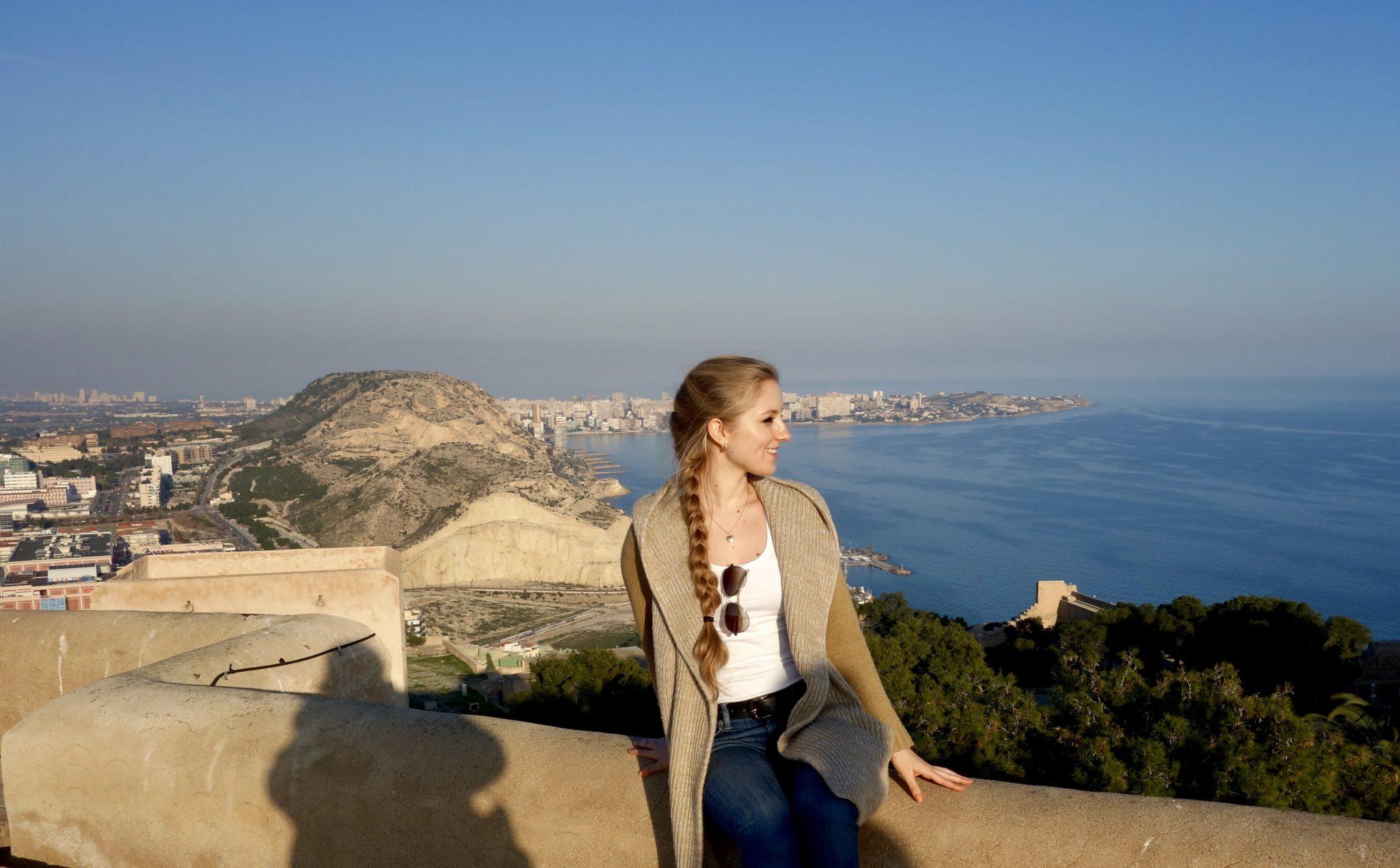 Alicante, Castillo de Santa Bárbara: Besonders schön ist es, das weite Meer von dort oben sehen zu können.