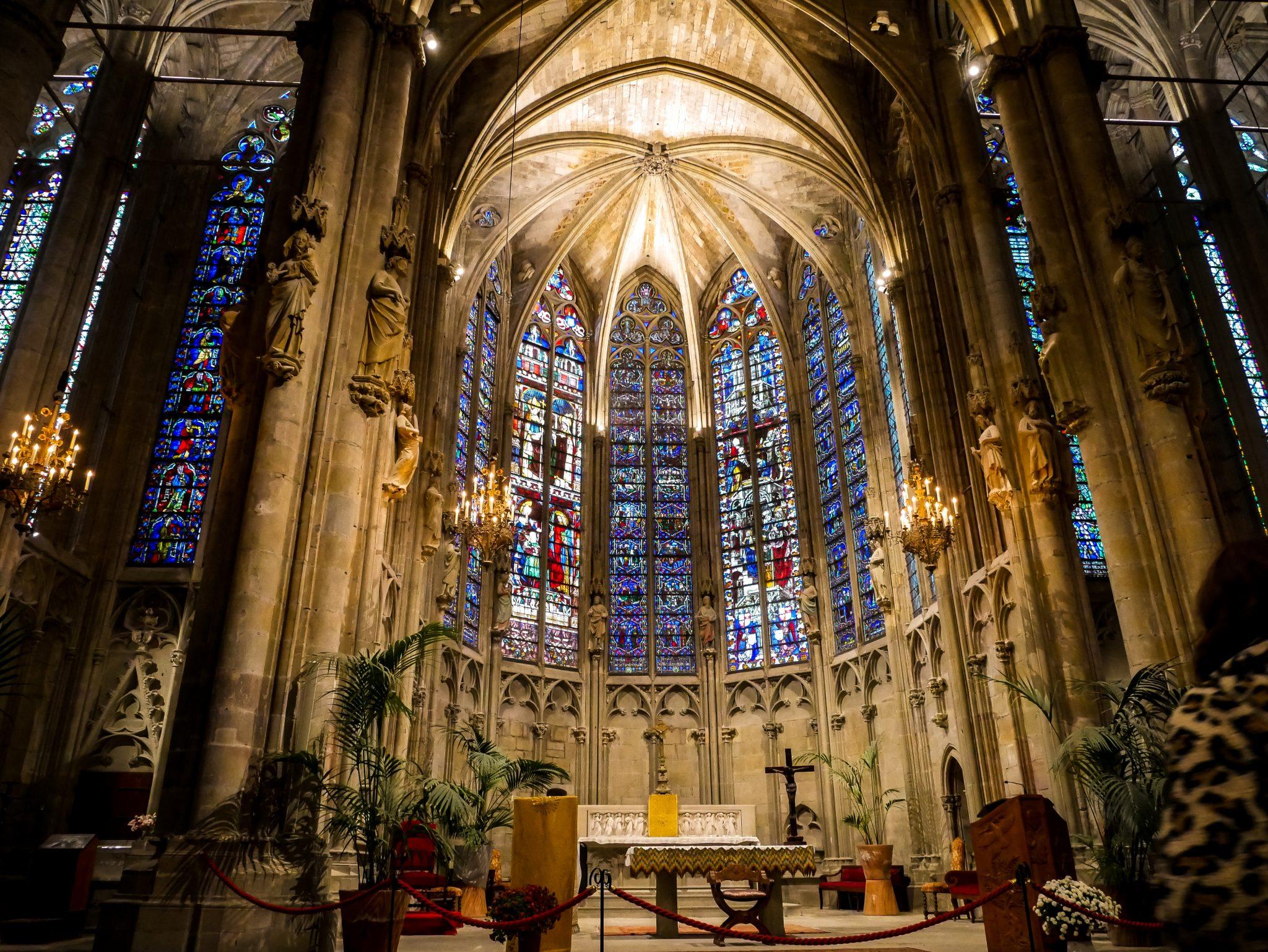 Die Basilika Saint-Nazaire wurde im 11. bis zum 14. Jahrhundert erbaut.