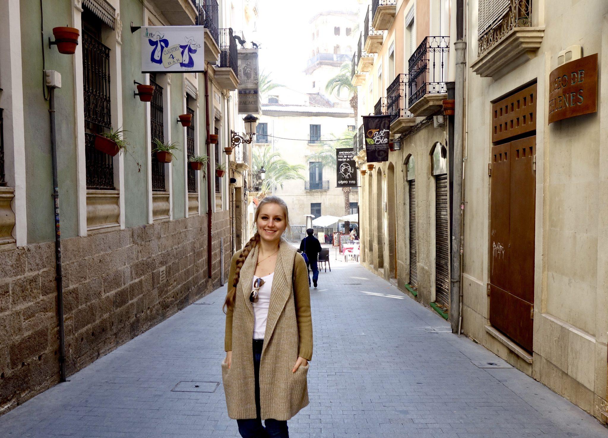 Alicante, Altstadt: auch hier sind kaum Menschen, waren die vielleicht die ganze Nacht feiern?