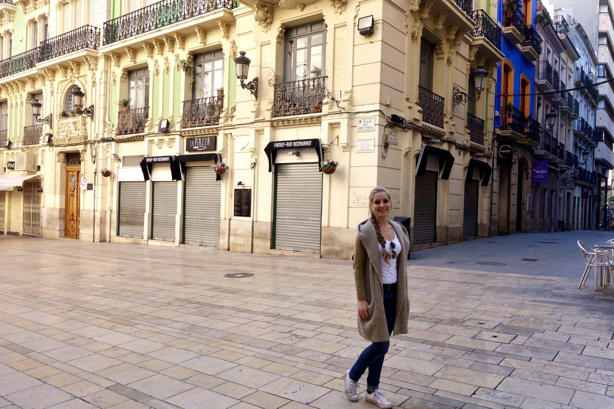 Alicante, Altstadt: Morgens und Mittags waren wir komplett allein (könnte auch an der Jahreszeit liegen?)