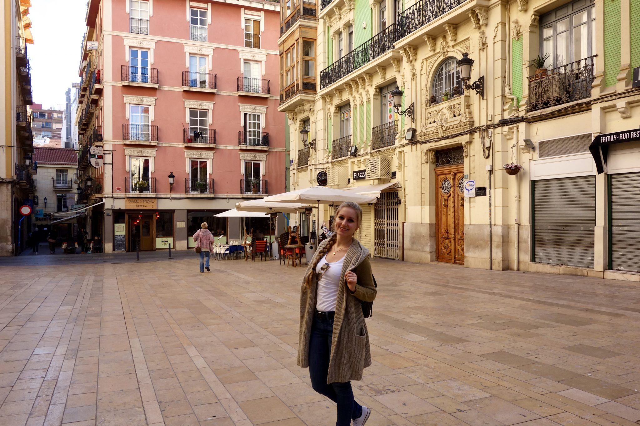 Alicante: anders als in Deutschland, wirst du in Alicante eine kunterbunte Altstadt finden