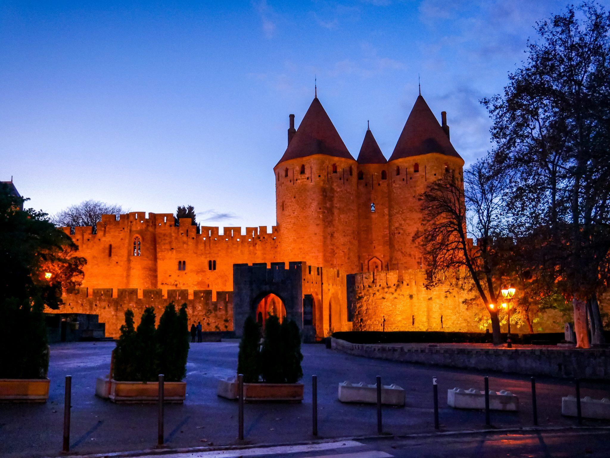 Dort befindet sich der Haupteingang zur Cité de Carcassonne.