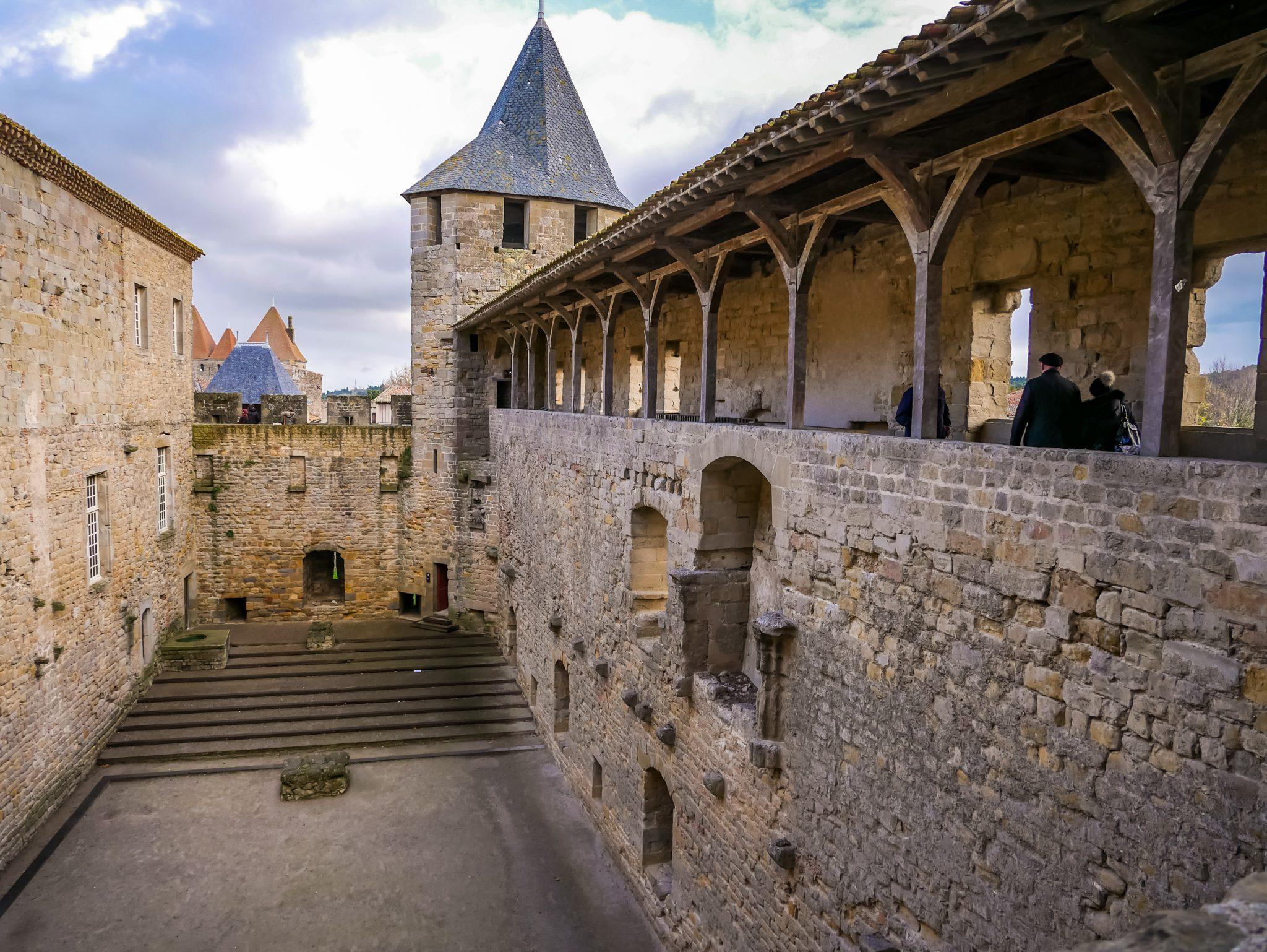 Das Schloss können EU-Bürger, welche unter 26 Jahren sind kostenlos besichtigen.