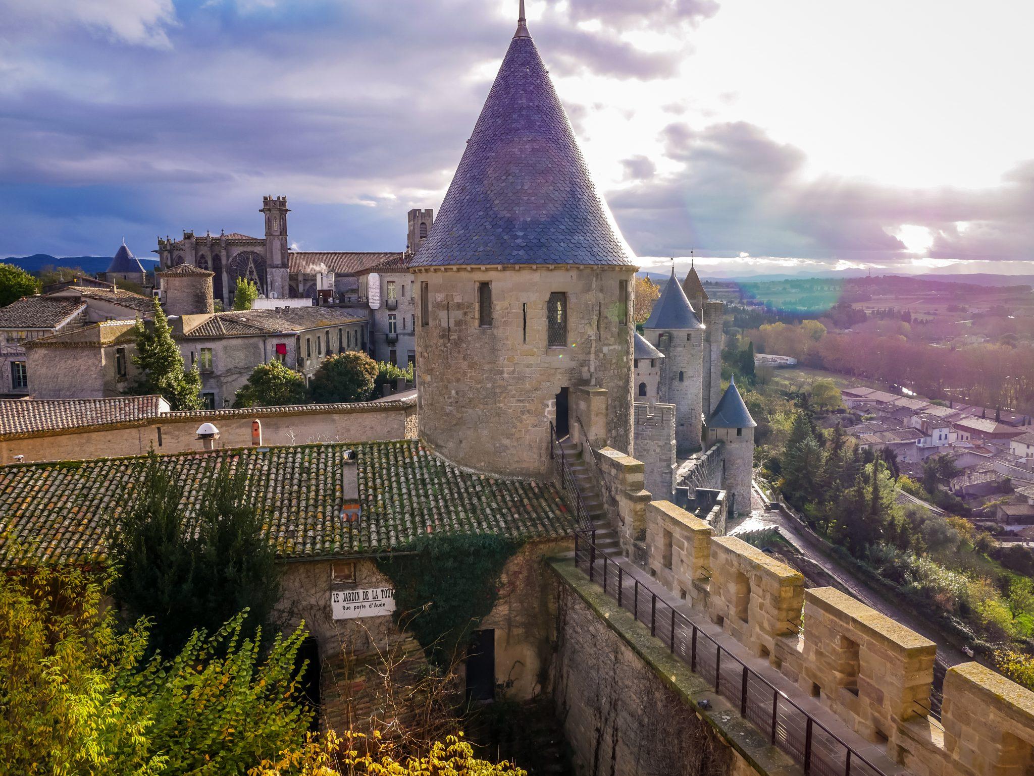 Vom Schloss und von den Mauern hat man den wohl schönsten Blick auf die Stadt.