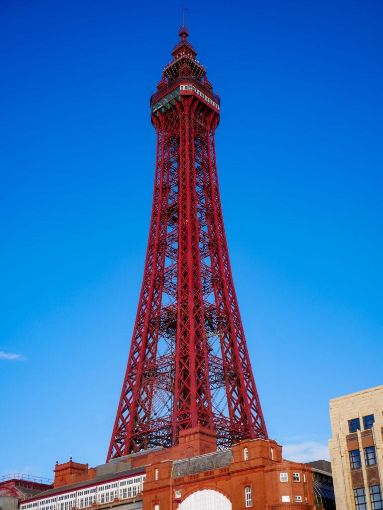 Insgesamt ist der Blackpool Tower 158 Meter hoch.