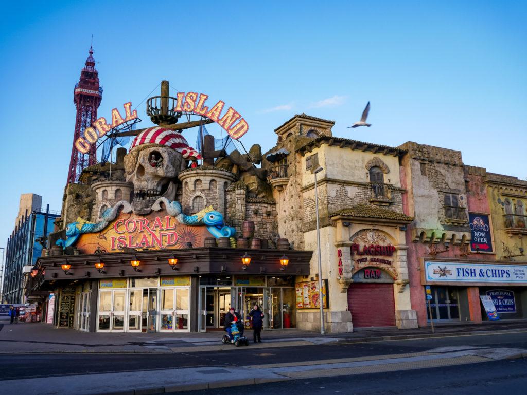 Spielcasinos, wie Coral Island findet man an jeder Ecke in Blackpool. Coral Island ist nur das größte.