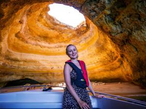 Leider darfst du während der Tour das Boot nicht verlassen, nicht einmal in der riesengroßen Höhle Bengali, welche die berühmteste ist.